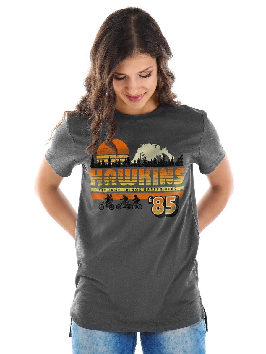 https://www.shirtstore.fi/pub_docs/files/Startsida2021/Hawkins3x4.jpg